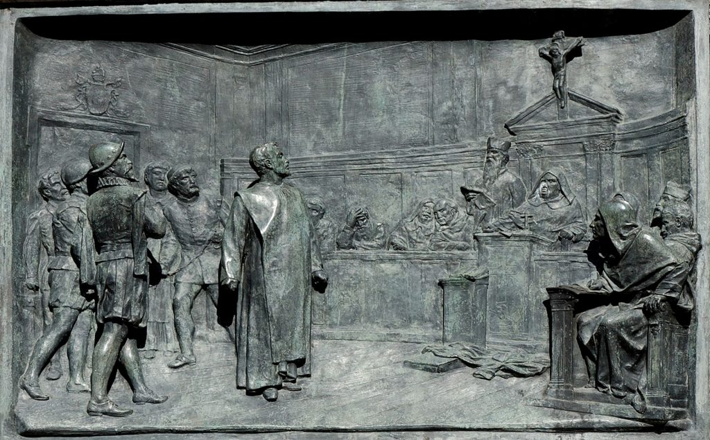 Proces Giordano Bruno. Relief z pomnika na Campo di Fiori. Fot. Wikipedia.